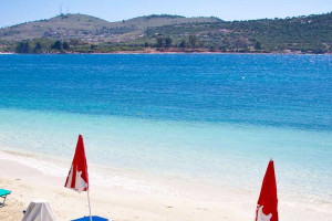 Saranda: a beautiful white beach and crystal clear sea